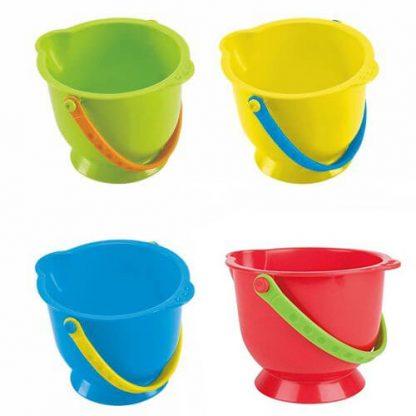 Kleine Eimer in den Farben grün, gelb,blau und rot