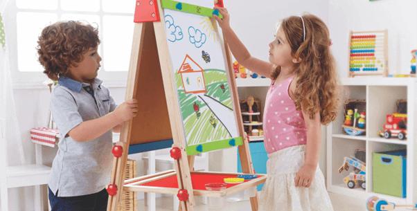 Praktische Tafel mit magnetischem Whiteboard