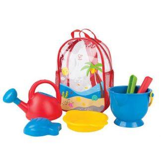 Sandspielzeug im Rucksack